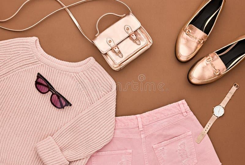 Équipement d'Autumn Fashion Glamour Lady Trendy cru photo libre de droits