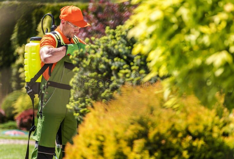 Équipement d'engrais de jardin photographie stock libre de droits