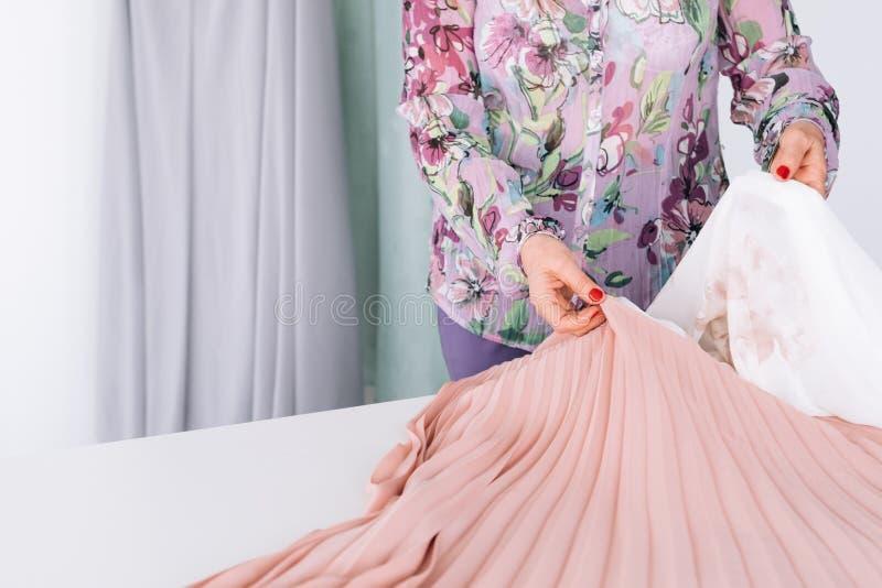 Équipement de achat de garde-robe de style de mode de femme nouvel photo libre de droits