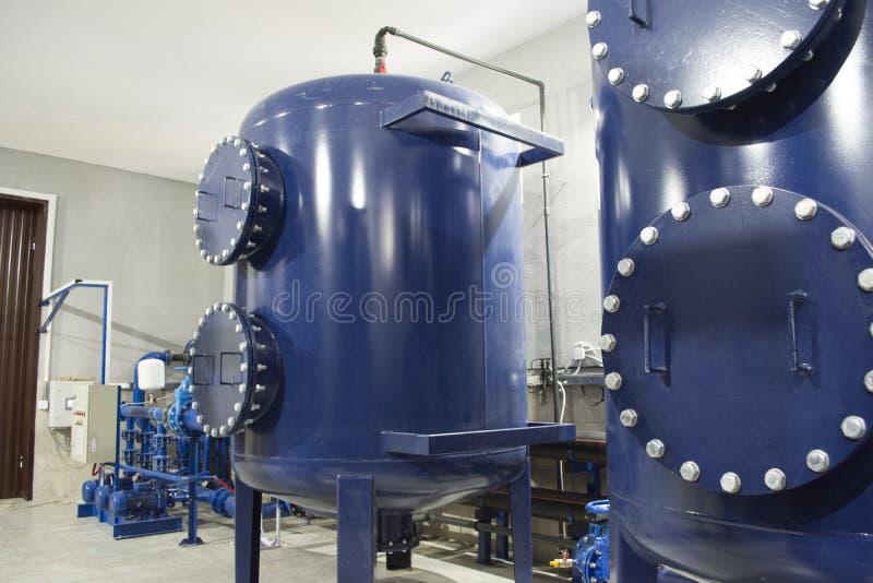 Équipement de filtre de purification d'eau à l'usine photos libres de droits