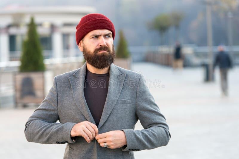 Équipement de hippie et accessoire de chapeau Printemps occasionnel élégant d'équipement Vêtements d'homme et concept masculin de images libres de droits
