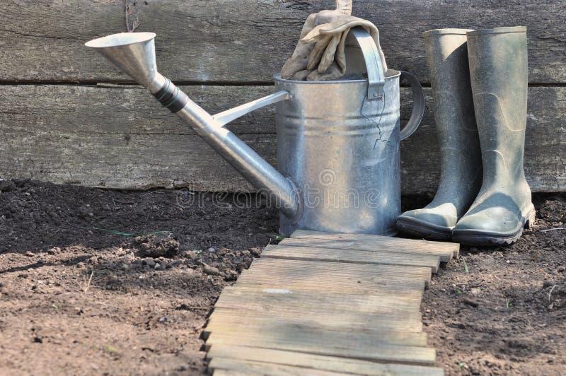 Équipement de jardinage rustique photographie stock libre de droits