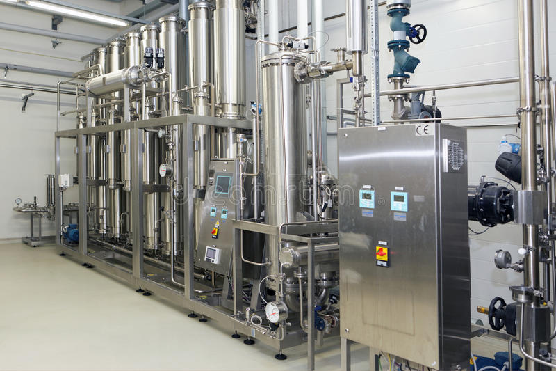 Équipement de purification d'eau sur l'usine de Solopharm photo stock