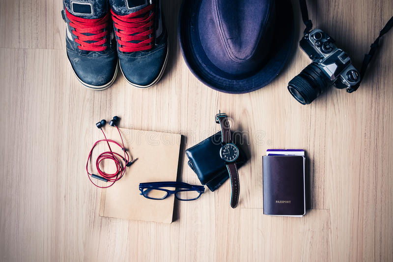 Équipement de voyageur, d'étudiant, d'adolescent, de jeune femme ou de type Overh photo stock