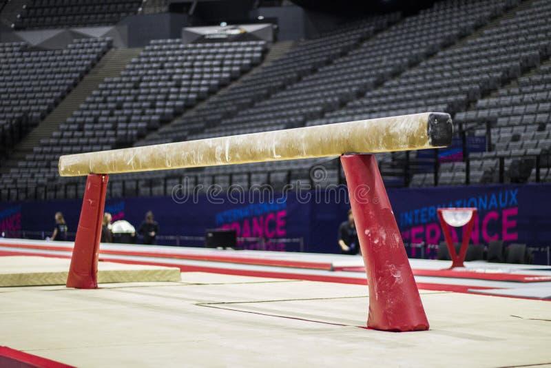 Équipement gymnastique dans une arène gymnastique à Paris images libres de droits