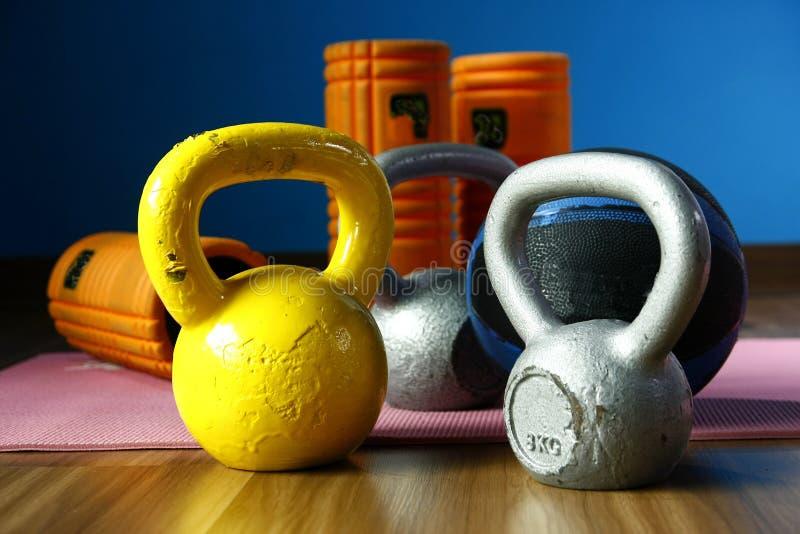 Équipements assortis de gymnase ou d'exercice image libre de droits