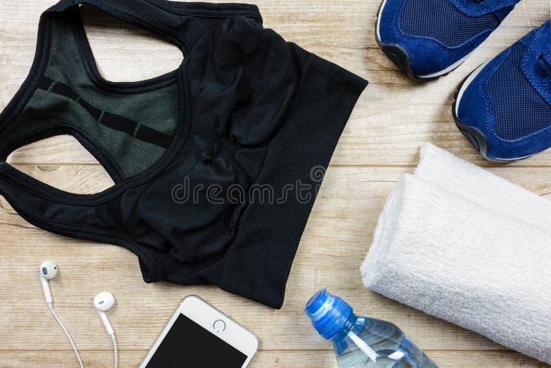 Équipements de sport et de forme physique pour le coureur image libre de droits