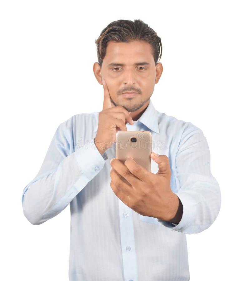 Équipez juger le téléphone androïde professionnellement d'isolement sur le backg blanc photo stock