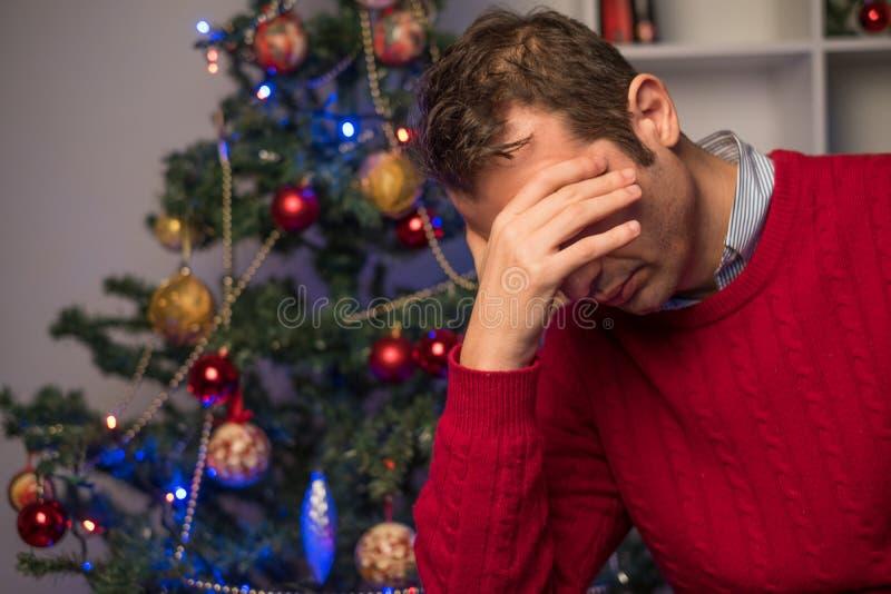 Équipez l'abattage diminué et isolé pendant le temps de Noël photos libres de droits