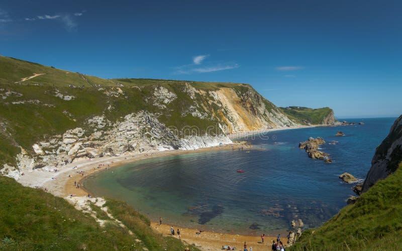 Équipez la plage de guerre d'O près de la porte de Durdle, Dorset, côte jurassique photo stock