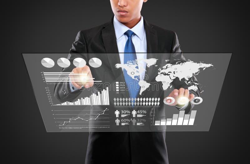 Équipez la poussée sur un écran tactile d'infographics photographie stock