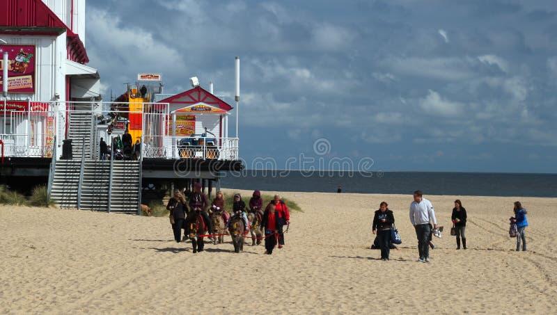 Équitation d'âne sur la plage de Great Yarmouth. photographie stock
