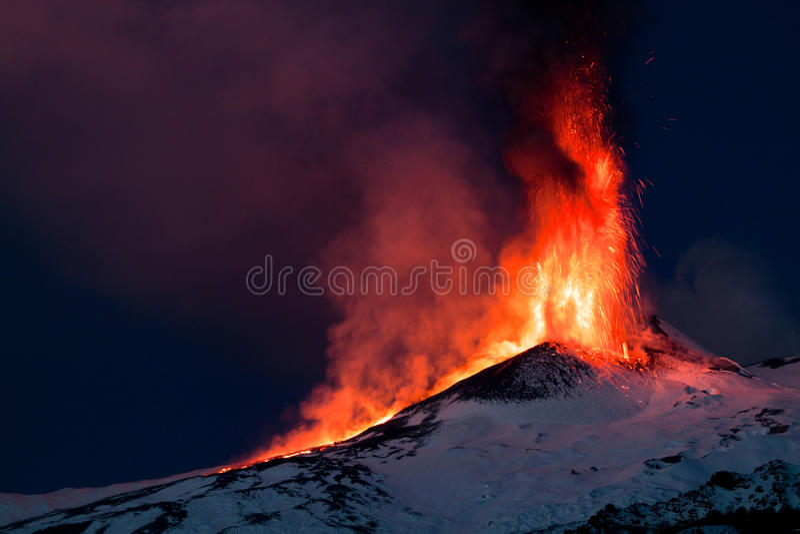 Éruption de l'Etna photos stock