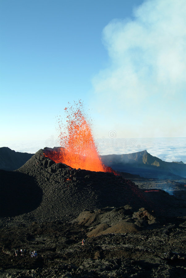 Éruption de volcan image stock