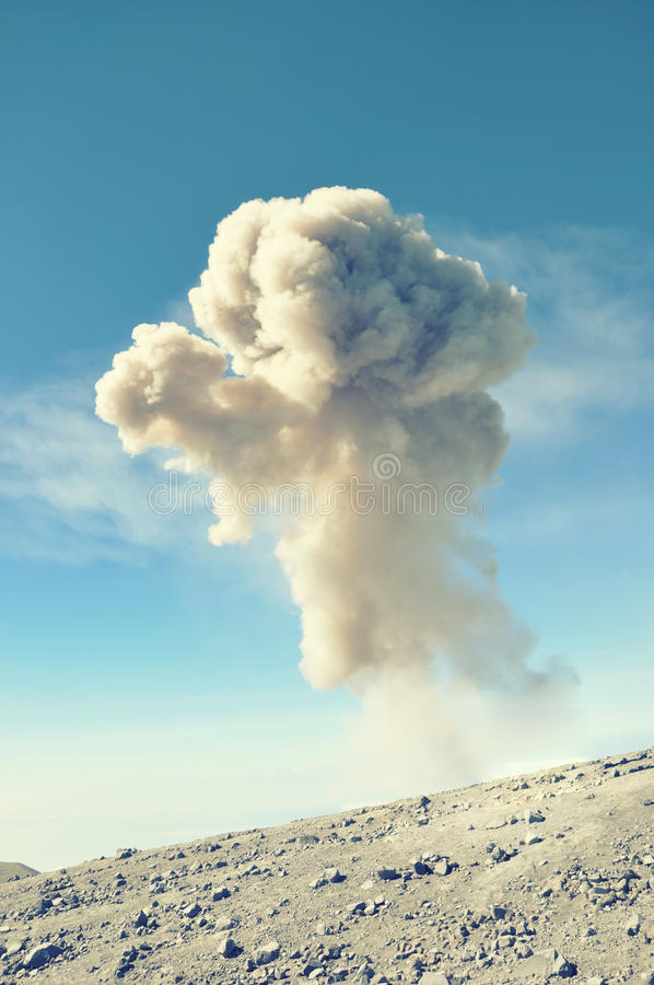 Éruption volcanique image stock