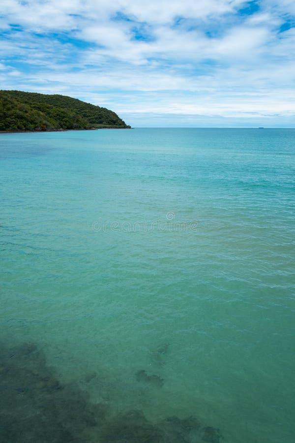 Été bleu de rivage de voyage de paysage de sel de beauté de la Jordanie de nature de l'Israël de ciel d'eau de mer de côte de vue images stock