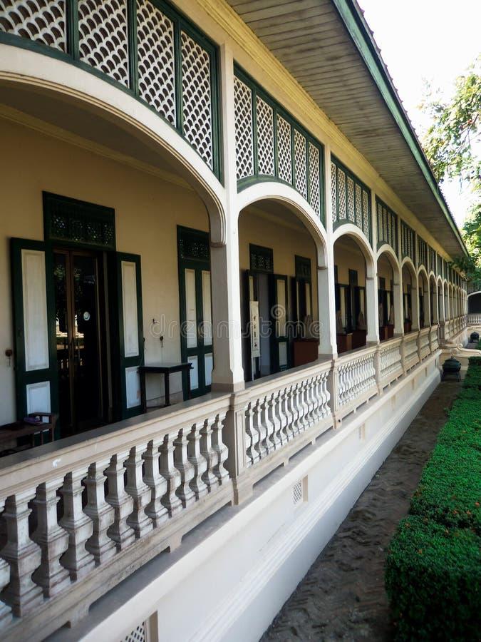 Établissement des balcons découpés par pierre image libre de droits