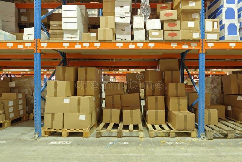 Étagère d'entrepôt photos stock