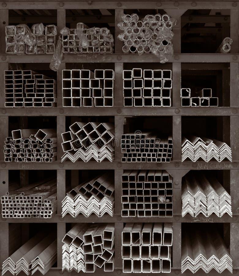Étagères de mémoire de Rods en métal photo stock