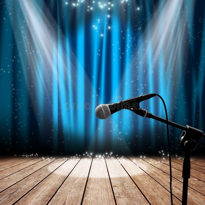 Étape et microphone photographie stock