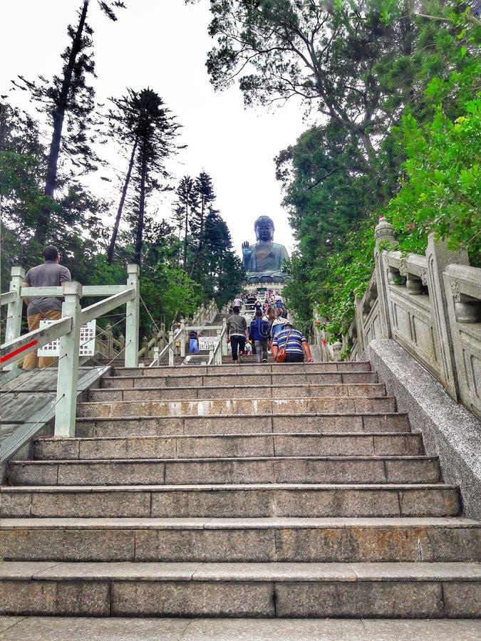 280 étapes allant à Tian Tan Buddha images libres de droits