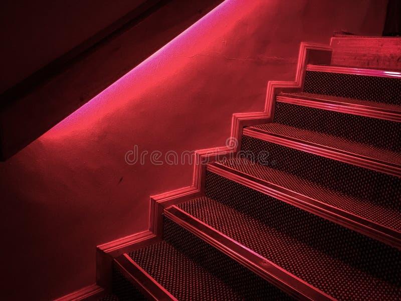 Étapes rouges, étapes dans le ROUGE ! photos libres de droits