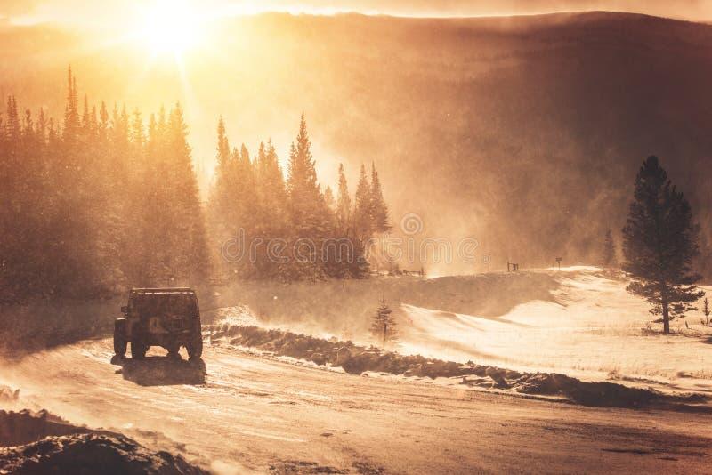 État des routes extrême d'hiver image stock