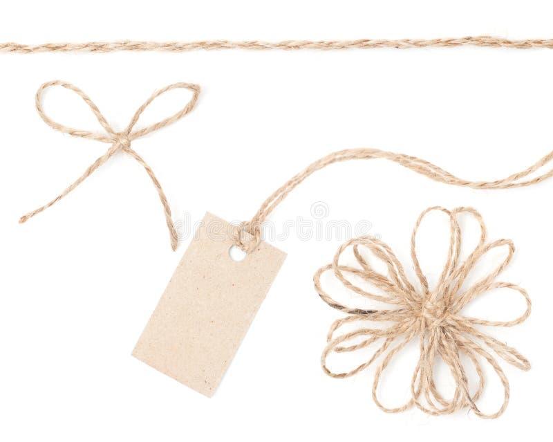Étiquette de proue de corde. Jute enveloppant le ramassage pour le présent et l'évaluation. photo libre de droits
