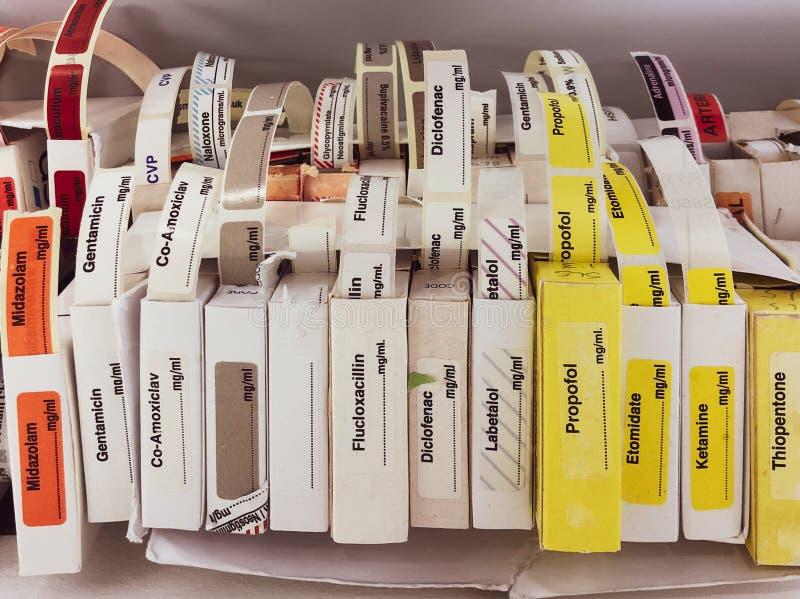 Étiquettes adhésives pour les drogues intraveineuses photos libres de droits