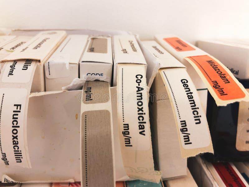 Étiquettes adhésives pour les drogues intraveineuses image libre de droits