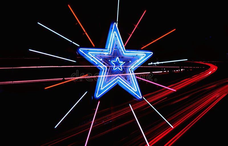 Étoile au néon d'omnibus photo stock