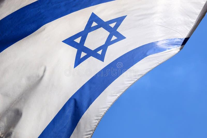 Étoile de David sur un drapeau israélien bleu et blanc photos libres de droits