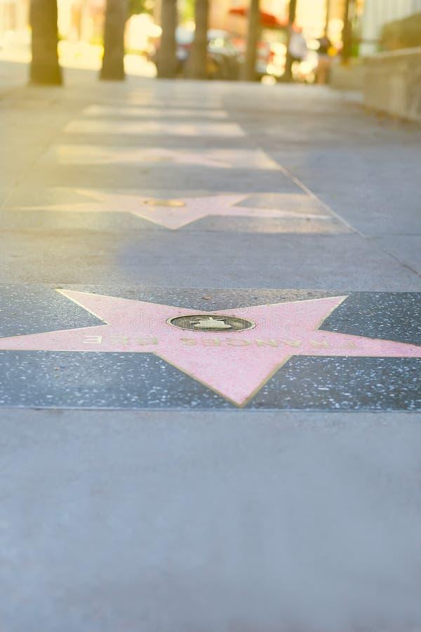 Étoile rose sur la promenade de Hollywood de la renommée Los Angeles ; photo libre de droits