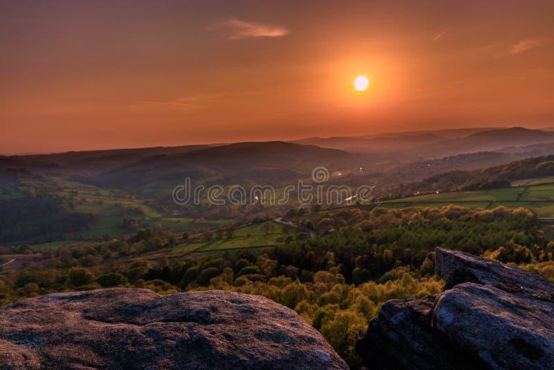 Étonnez le coucher du soleil de vue à Sheffield, le secteur maximal - R-U image stock