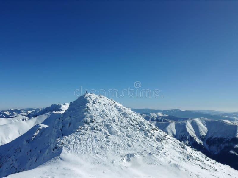 Étranger dans la montagne image libre de droits