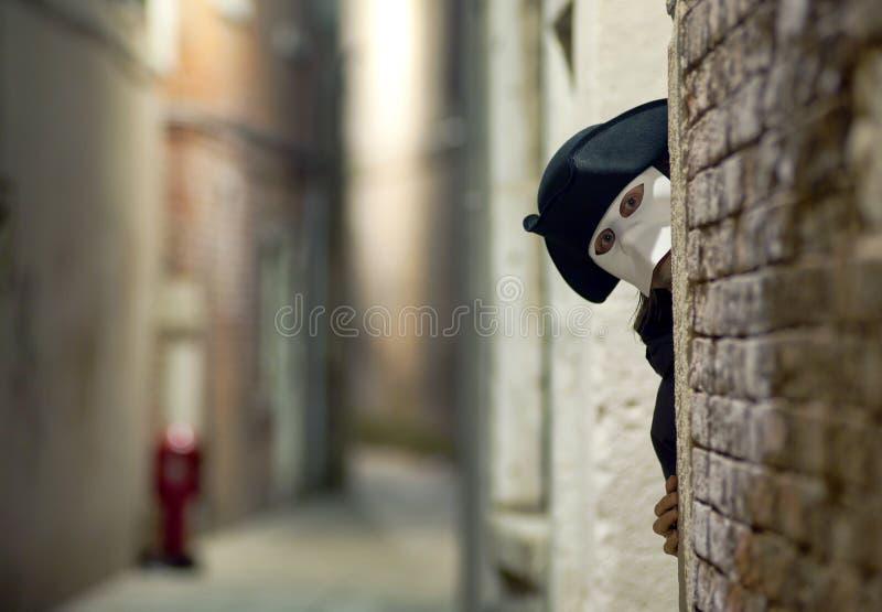 Étranger dans le masque vénitien image libre de droits
