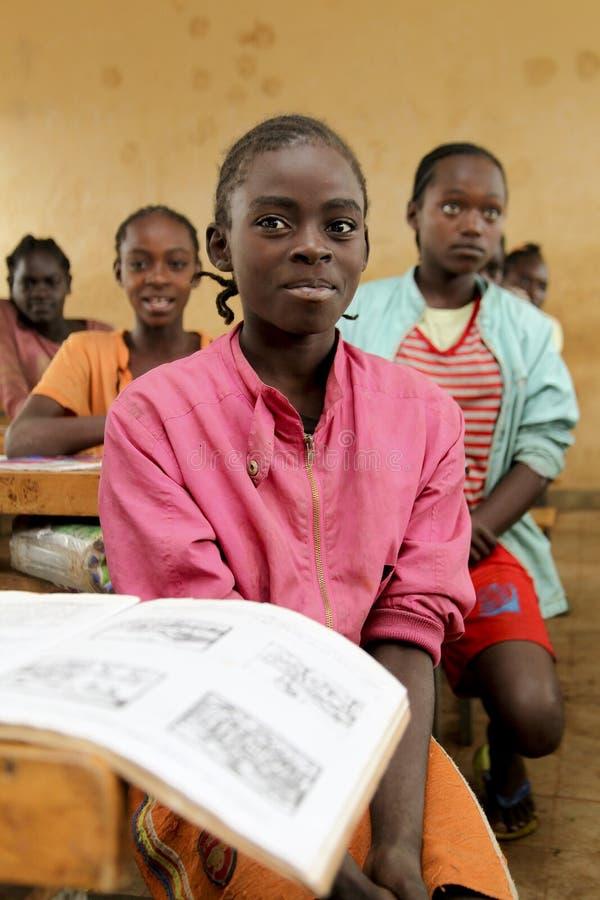 Étude d'enfants à l'école éthiopienne photographie stock libre de droits