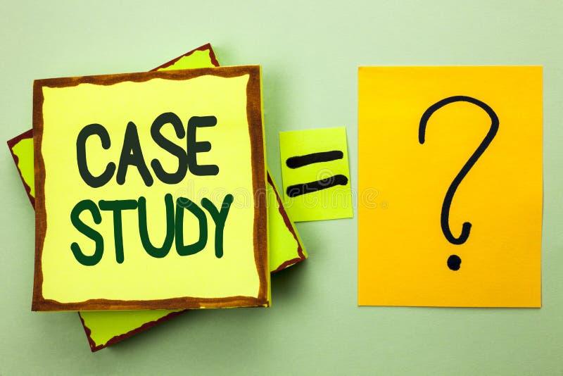 Étude de cas d'écriture des textes d'écriture L'analyse de l'information de recherches de signification de concept observent qu'a images stock