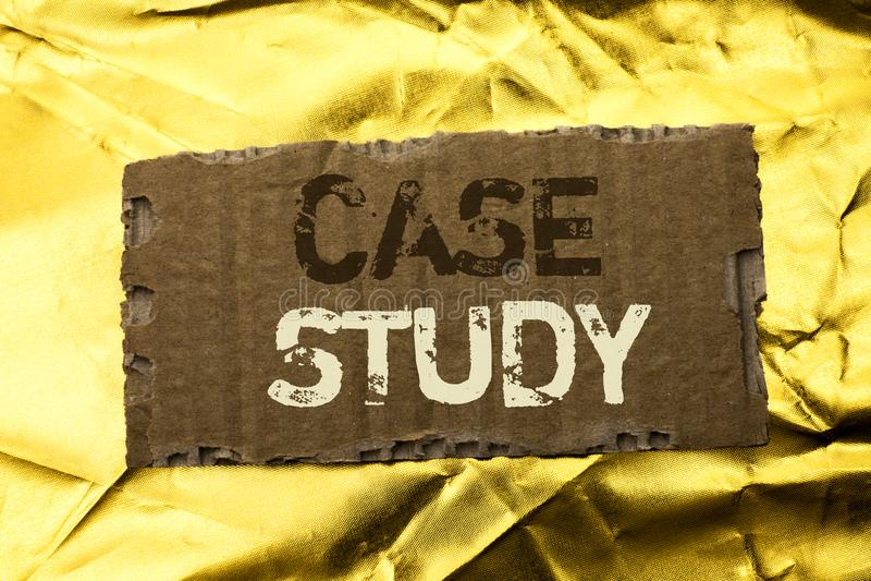 Étude de cas des textes d'écriture de Word Le concept d'affaires pour l'analyse de l'information de recherches observent qu'appre photo stock