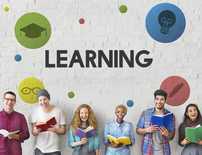 Étude du concept de la connaissance d'universitaires d'éducation image stock