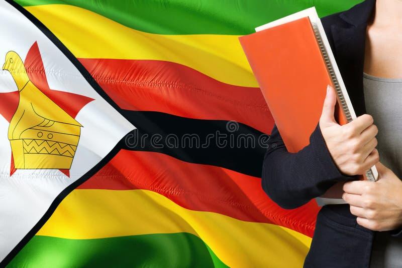 Peut sortir la fille du Zimbabwe Pride Fier Zimbabwéen