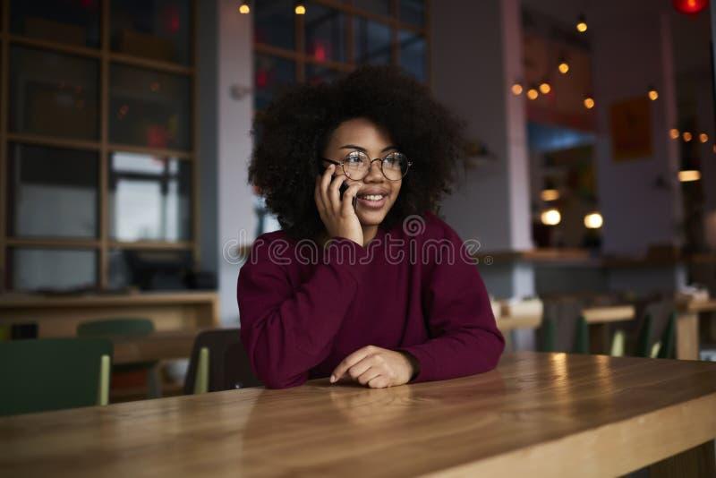 Étudiant afro-américain émotif d'école de commerce photos libres de droits