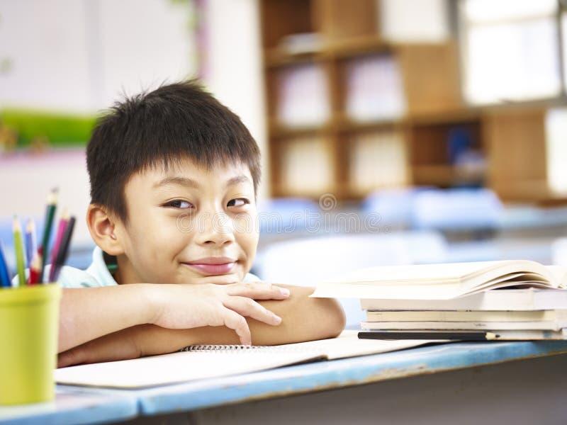 Étudiant asiatique d'école primaire photos libres de droits