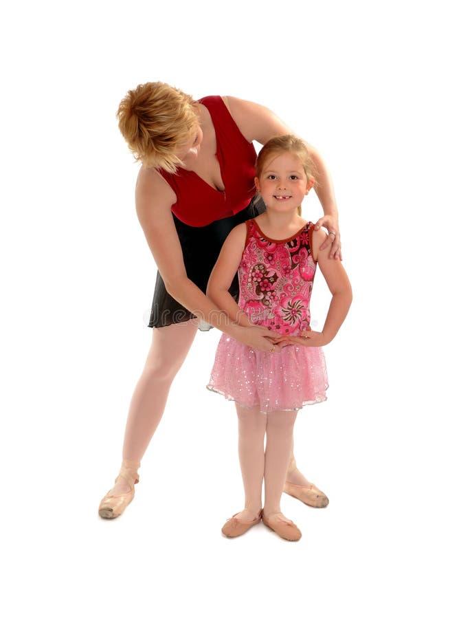 Étudiant de enseignement d'enfant de fille de maîtresse de ballet images libres de droits