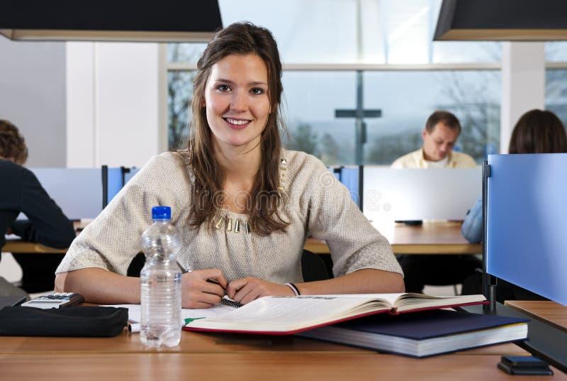 Étudiant de sourire images libres de droits