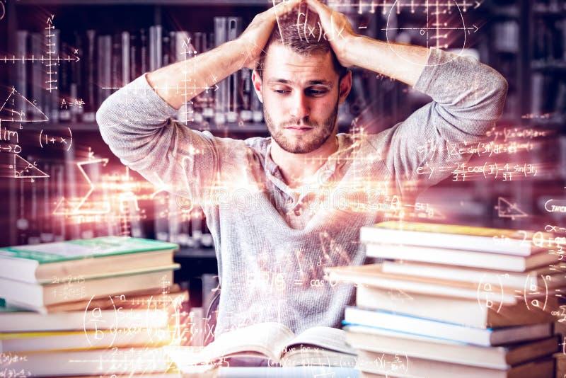 Étudiant fatigué ayant trop à faire images stock