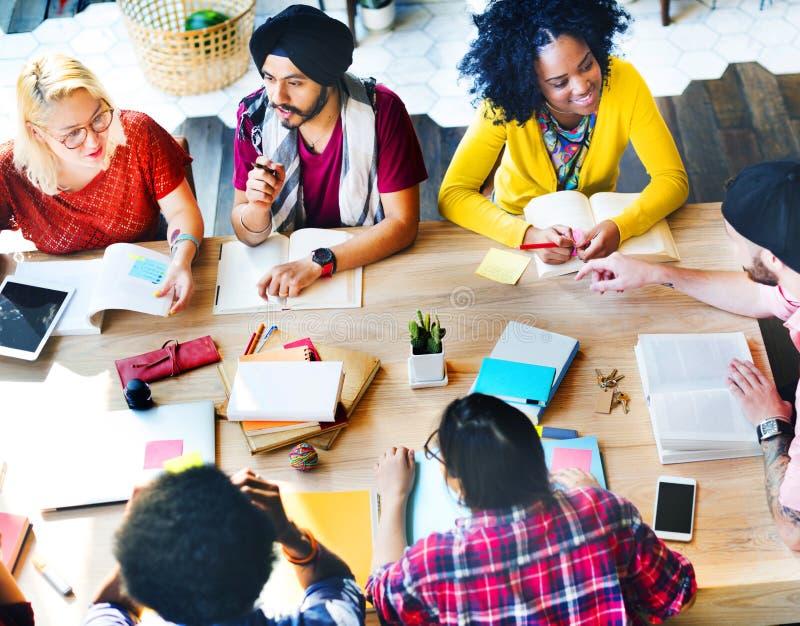 Étudiant Relationship Team Concept de connexion de collègues photo stock