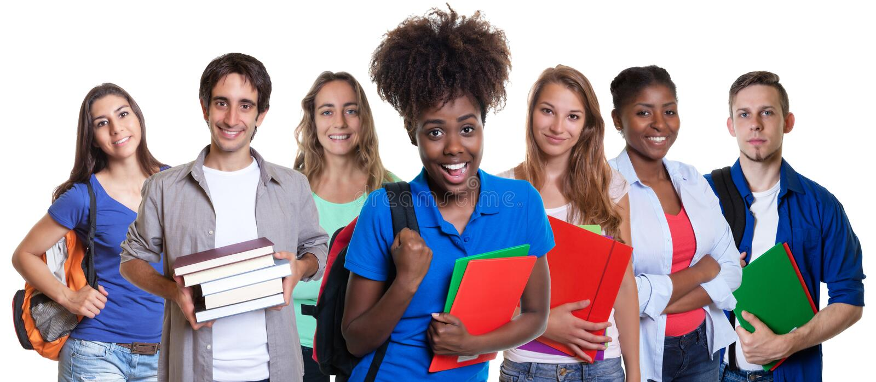 Étudiante heureuse d'afro-américain avec le groupe d'étudiants multi-ethniques images libres de droits