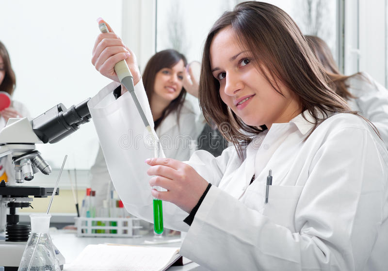 Étudiants en médecine photos stock