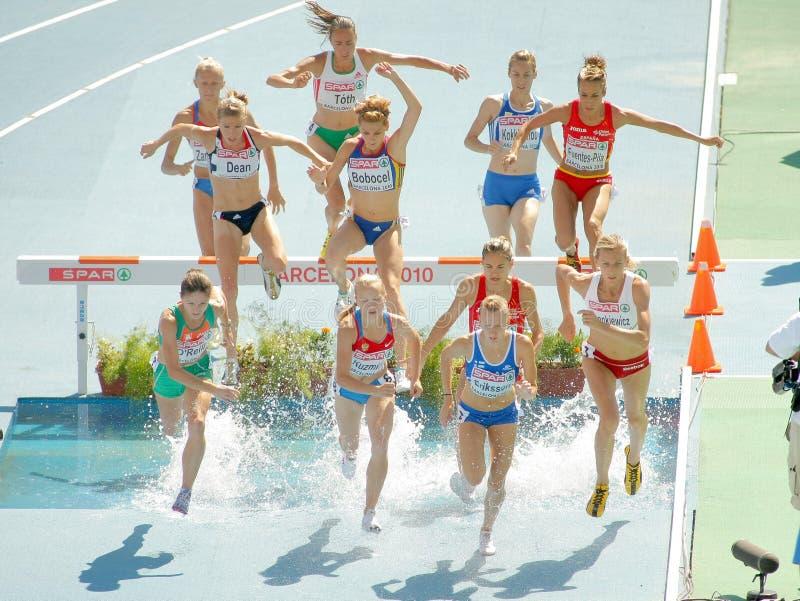 événement de femmes de course d'obstacles de 3000m photo libre de droits
